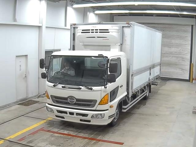Import and buy HINO RANGER 2013 from Japan to Nairobi, Kenya