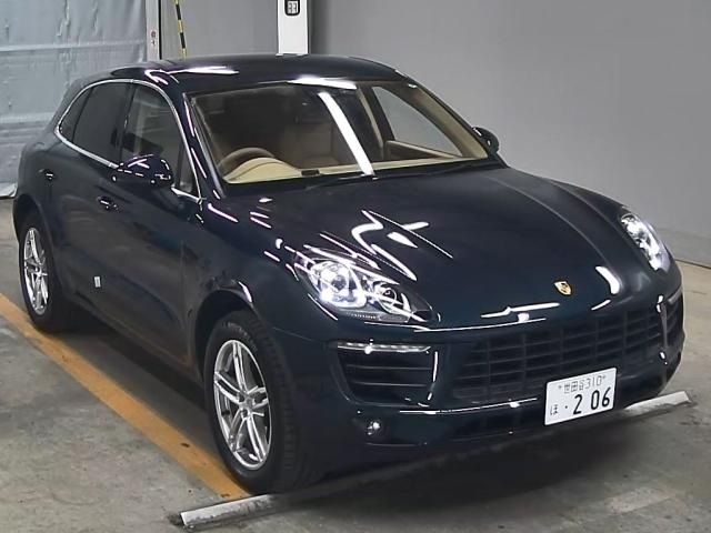 Import and buy PORSCHE MACAN 2015 from Japan to Nairobi, Kenya
