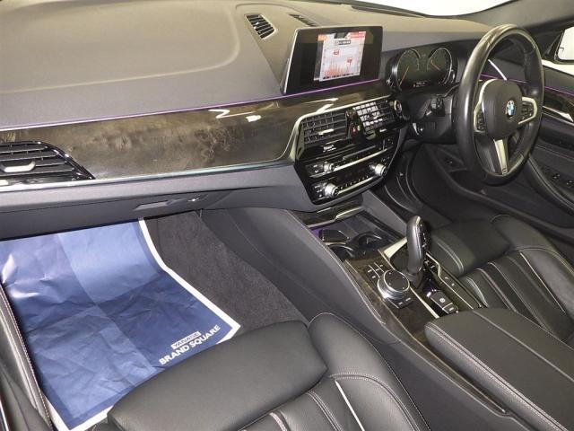 Import and buy BMW 5 SERIES 2019 from Japan to Nairobi, Kenya