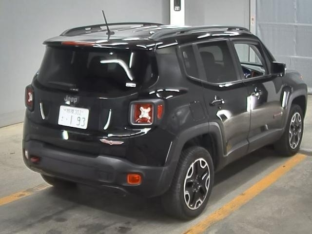 Import and buy CHRYSLER JEEP RENEGADE 2017 from Japan to Nairobi, Kenya
