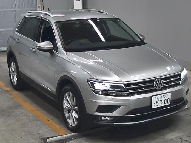 Import and buy VOLKSWAGEN TIGUAN 2019 from Japan to Nairobi, Kenya