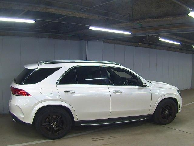 Import and buy MERCEDES BENZ GLE CLASS 2019 from Japan to Nairobi, Kenya