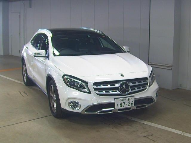 Import and buy MERCEDES BENZ GLA CLASS 2020 from Japan to Nairobi, Kenya