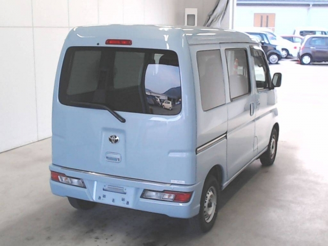 Import and buy TOYOTA PIXIS VAN 2019 from Japan to Nairobi, Kenya