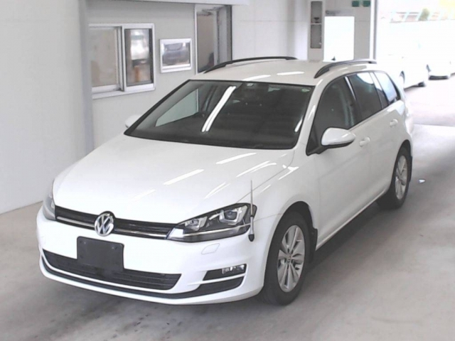 Import and buy VOLKSWAGEN GOLF VARIANT 2016 from Japan to Nairobi, Kenya