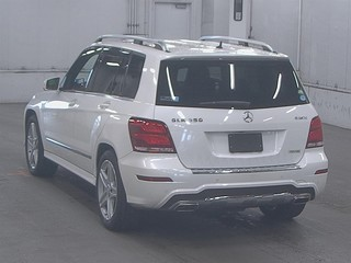 Import and buy MERCEDES BENZ GLK CLASS 2015 from Japan to Nairobi, Kenya