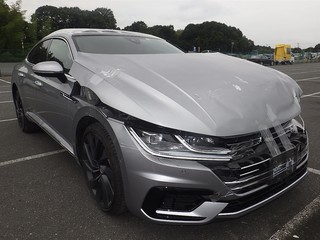 Import and buy VOLKSWAGEN ARTEON 2019 from Japan to Nairobi, Kenya