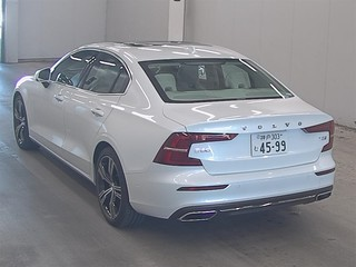 Import and buy VOLVO S60 2019 from Japan to Nairobi, Kenya
