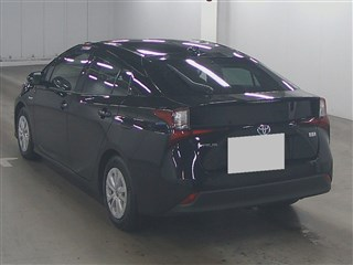 Import and buy TOYOTA PRIUS 2019 from Japan to Nairobi, Kenya