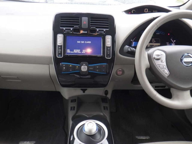 Buy/import NISSAN LEAF (2012) to Kenya from Japan auction