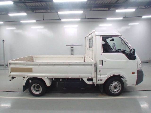 Import and buy MAZDA BONGO 2016 from Japan to Nairobi, Kenya