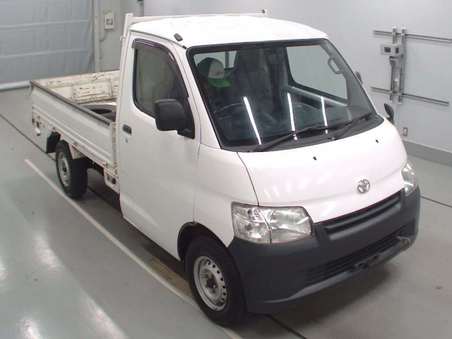 Import and buy TOYOTA LITE ACE TRUCK 2013 from Japan to Nairobi, Kenya