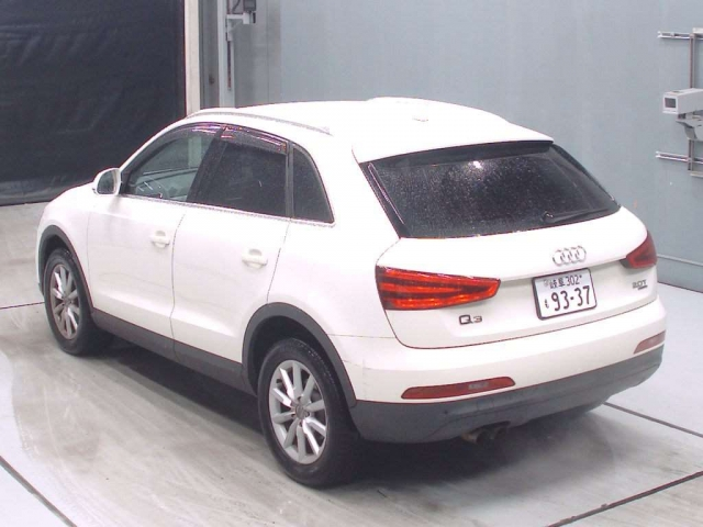 Import and buy AUDI Q3 2014 from Japan to Nairobi, Kenya