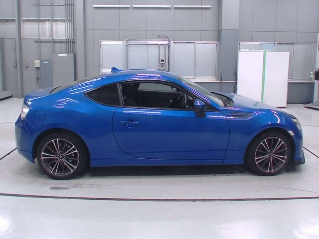 Import and buy SUBARU BRZ 2015 from Japan to Nairobi, Kenya