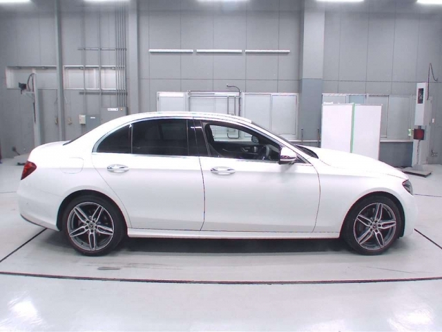 Import and buy MERCEDES BENZ E CLASS 2020 from Japan to Nairobi, Kenya