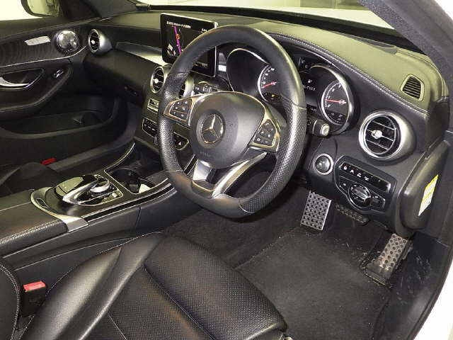 Import and buy MERCEDES BENZ C CLASS STATION WAGON 2015 from Japan to Nairobi, Kenya