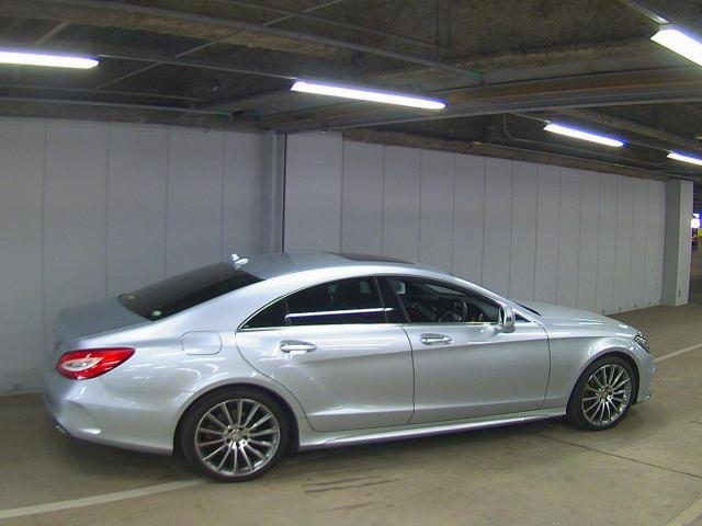 Import and buy MERCEDES BENZ CLS CLASS 2015 from Japan to Nairobi, Kenya