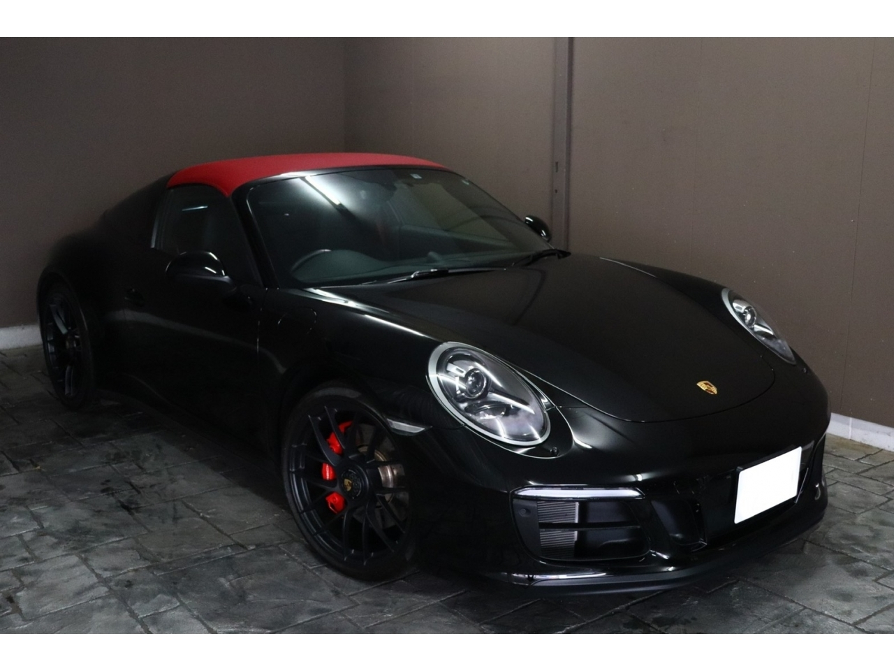 Import and buy PORSCHE 911 2018 from Japan to Nairobi, Kenya