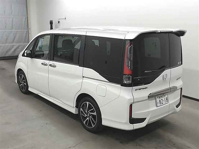 Import and buy HONDA STEP WAGON 2017 from Japan to Nairobi, Kenya