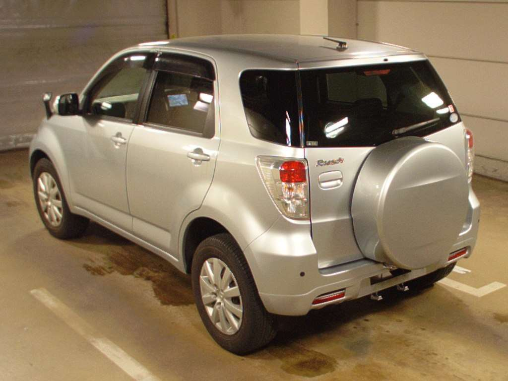 Kelebihan Kekurangan Toyota Rush 2010 Perbandingan Harga