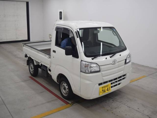 Import and buy TOYOTA PIXIS TRUCK 2016 from Japan to Nairobi, Kenya