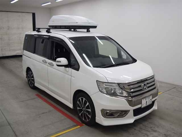 Import and buy HONDA STEP WAGON 2014 from Japan to Nairobi, Kenya