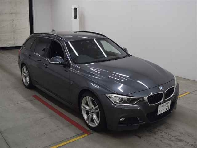 Import and buy BMW 3 SERIES 2015 from Japan to Nairobi, Kenya