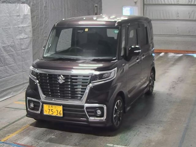 Import and buy SUZUKI SPACIA 2018 from Japan to Nairobi, Kenya