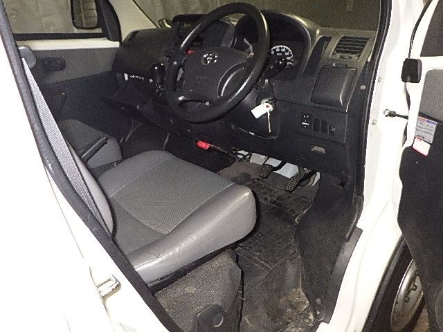 Import and buy TOYOTA TOWN ACE VAN 2014 from Japan to Nairobi, Kenya