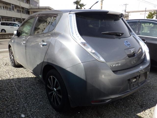 Import and buy NISSAN LEAF 2014 from Japan to Nairobi, Kenya