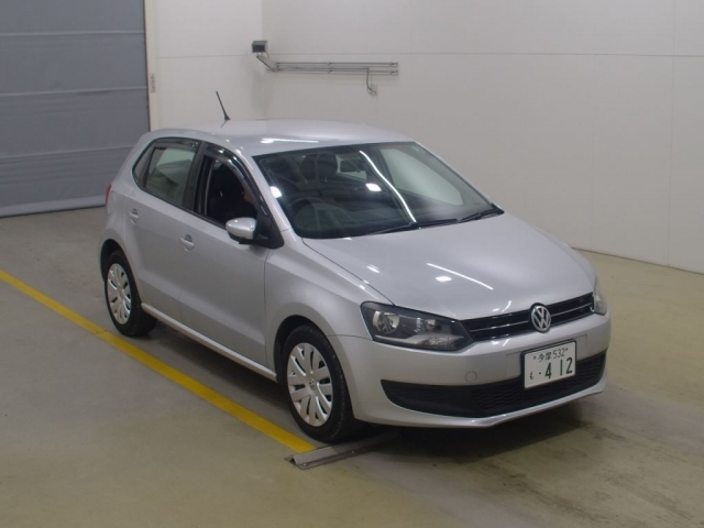 Import and buy VOLKSWAGEN POLO 2014 from Japan to Nairobi, Kenya