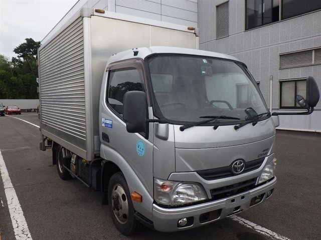 Import and buy TOYOTA DYNA 2014 from Japan to Nairobi, Kenya