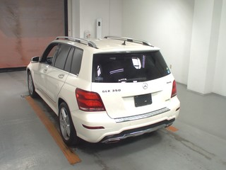 Import and buy MERCEDES BENZ GLK CLASS 2014 from Japan to Nairobi, Kenya