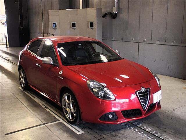 buy import alfaromeo alfa romeo giulietta 2012 to kenya from japan rh carimports co ke Jaguar Cars Alfa Romeo SUV