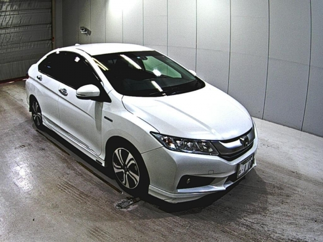 Import and buy HONDA GRACE 2014 from Japan to Nairobi, Kenya