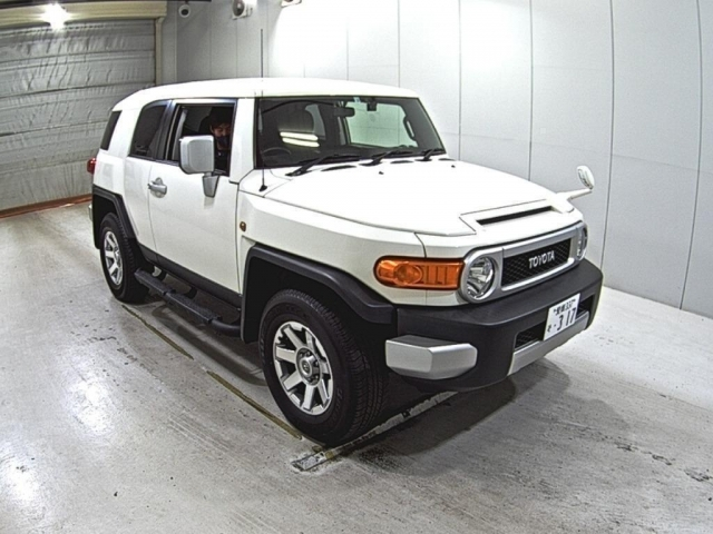Import and buy TOYOTA FJ CRUISER 2016 from Japan to Nairobi, Kenya