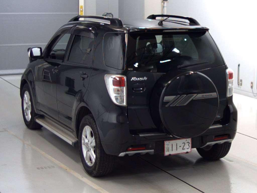 Kekurangan Toyota Rush 2010 Review