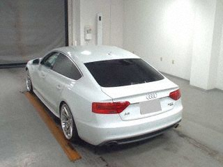 Import and buy AUDI A5 SPORTBACK 2014 from Japan to Nairobi, Kenya