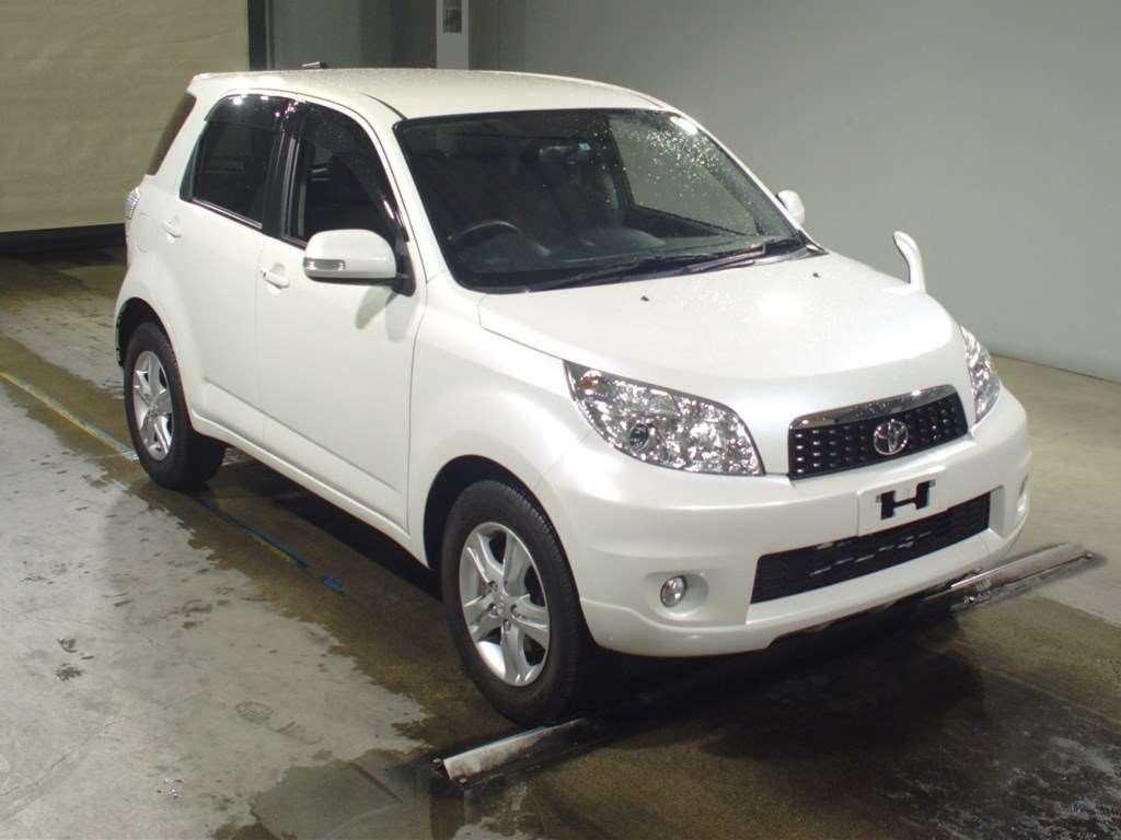 Kelebihan Toyota Rush 2015 Spesifikasi
