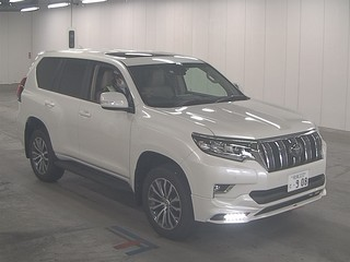 Import and buy TOYOTA LAND CRUISER PRADO 2019 from Japan to Nairobi, Kenya