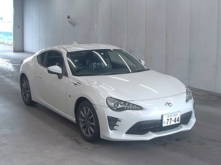 Import and buy TOYOTA 86 2018 from Japan to Nairobi, Kenya