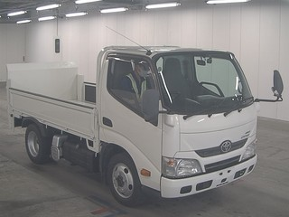 Import and buy TOYOTA DYNA 2013 from Japan to Nairobi, Kenya