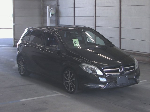Import and buy MERCEDES BENZ B CLASS 2014 from Japan to Nairobi, Kenya