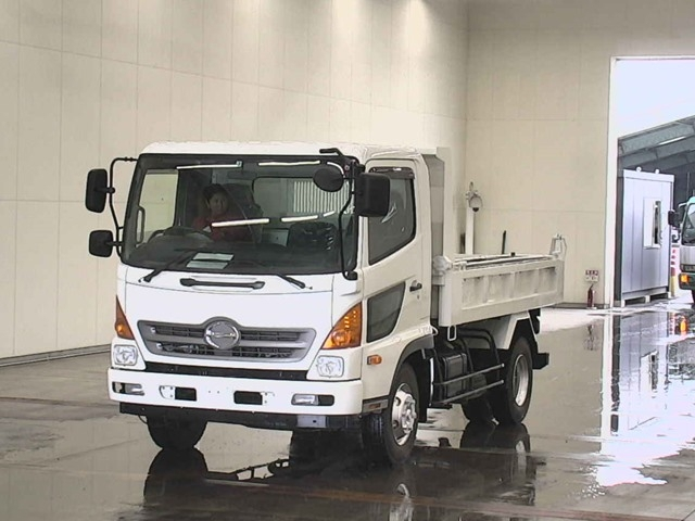 Import and buy HINO RANGER 2014 from Japan to Nairobi, Kenya