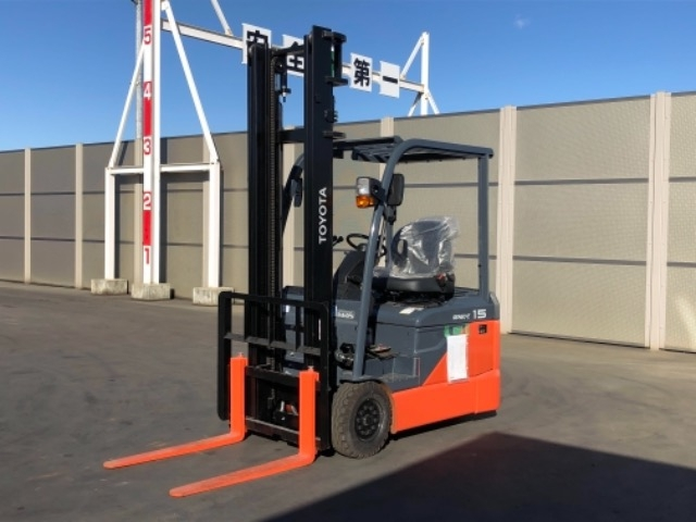 Import and buy TOYOTA FORKLIFT 2018 from Japan to Nairobi, Kenya