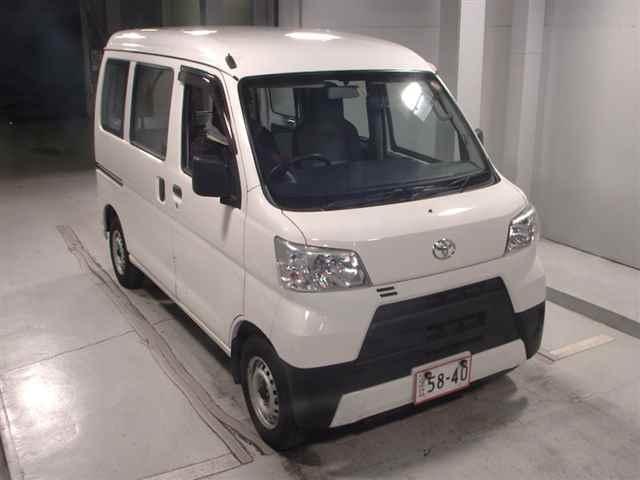 Import and buy TOYOTA PIXIS VAN 2018 from Japan to Nairobi, Kenya