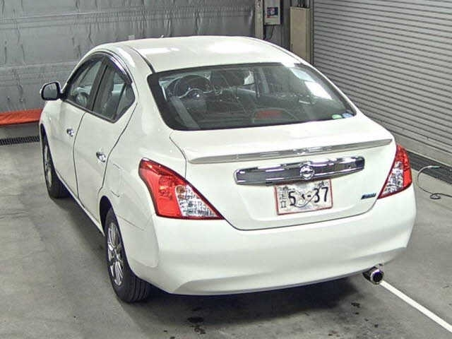 Import and buy NISSAN LATIO 2014 from Japan to Nairobi, Kenya
