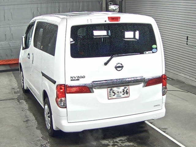 Import and buy NISSAN NV200 2018 from Japan to Nairobi, Kenya