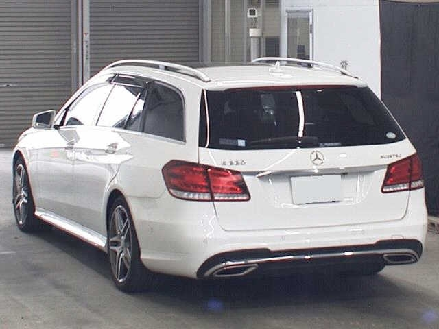 Import and buy MERCEDES BENZ E CLASS WAGON 2015 from Japan to Nairobi, Kenya