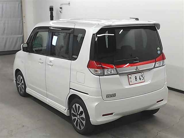 Import and buy MITSUBISHI DELICA D2 2015 from Japan to Nairobi, Kenya